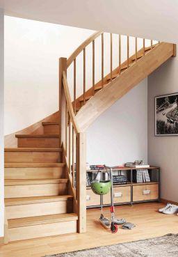 Geschosstreppe Hockenheim Treppe nach Maß Buche